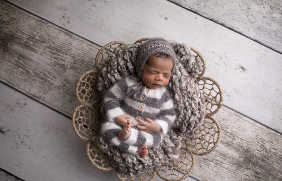 Sasha gow photography dubai newborn photographer baby photographer dubai